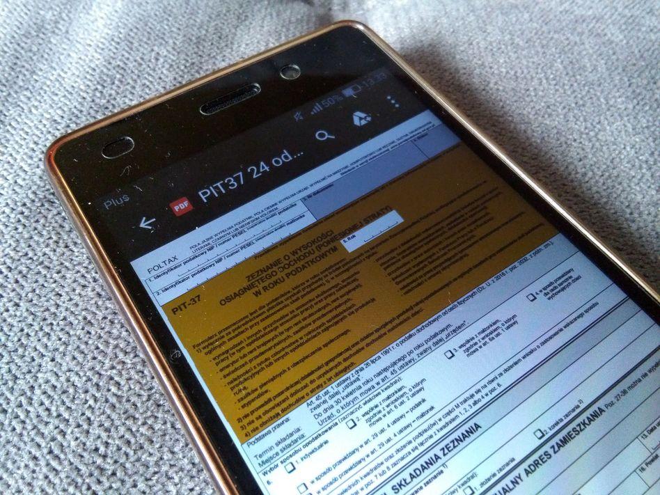 Podatki - PIT-37 na smartfonie - Podatki po nowemu 2019, czyli 6 obszarów zmian